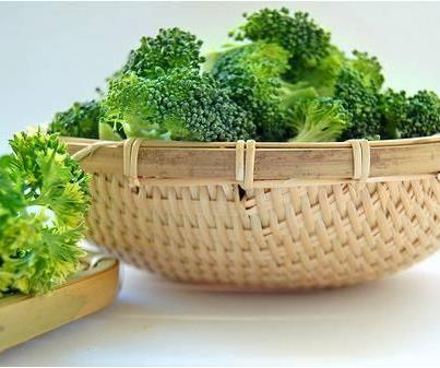 Broccoli , Nutricional Food , Good for Health ,Healthy Food, Nutrition, Diet, Veggies, Health Inspirations, Tips for the day